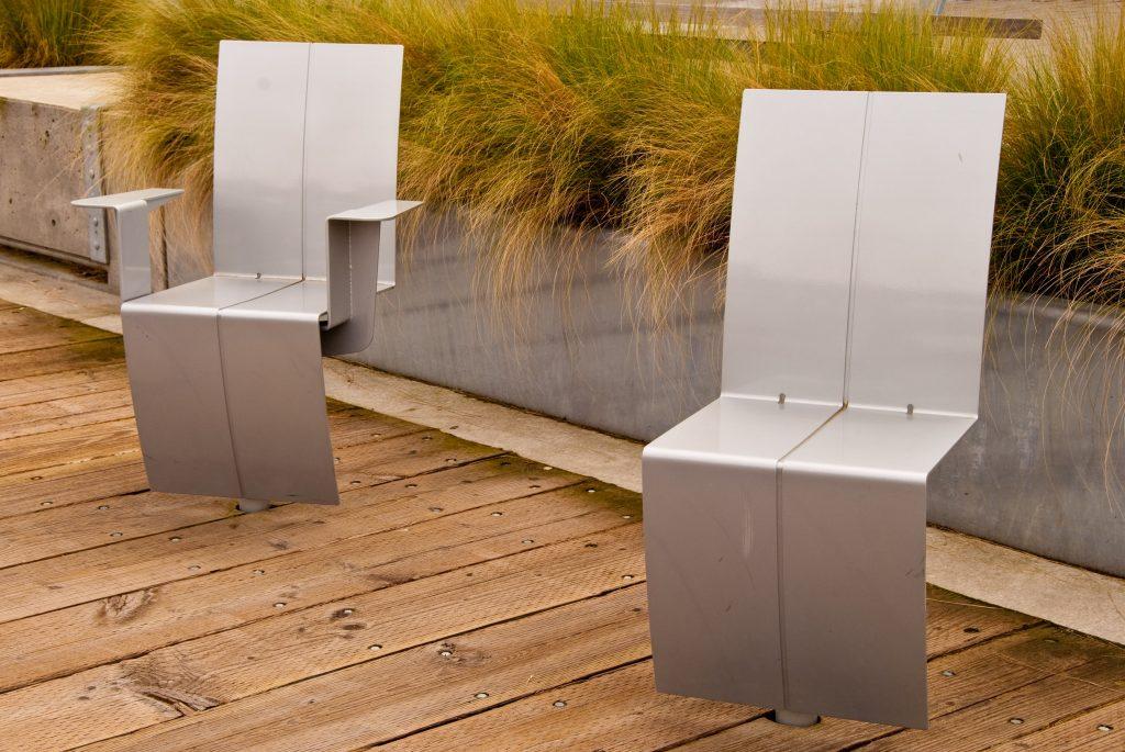 ultranowoczesna  linia designerskich krzeseł